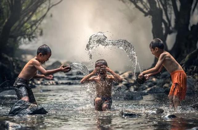 vai trò của nước với cơ thể người